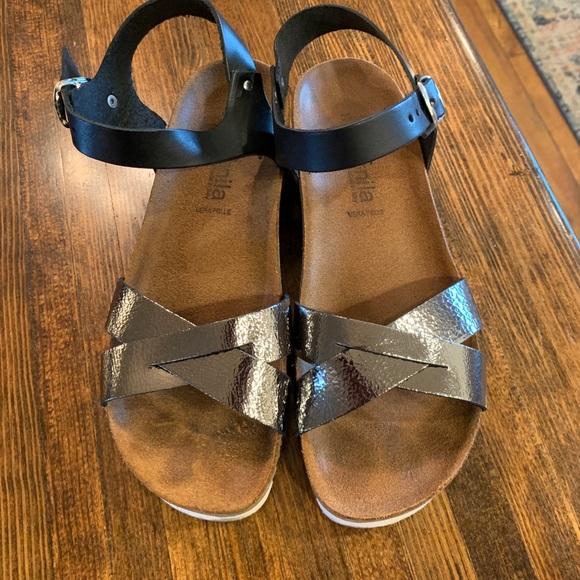 Nila Shoes - Size 9 sandal